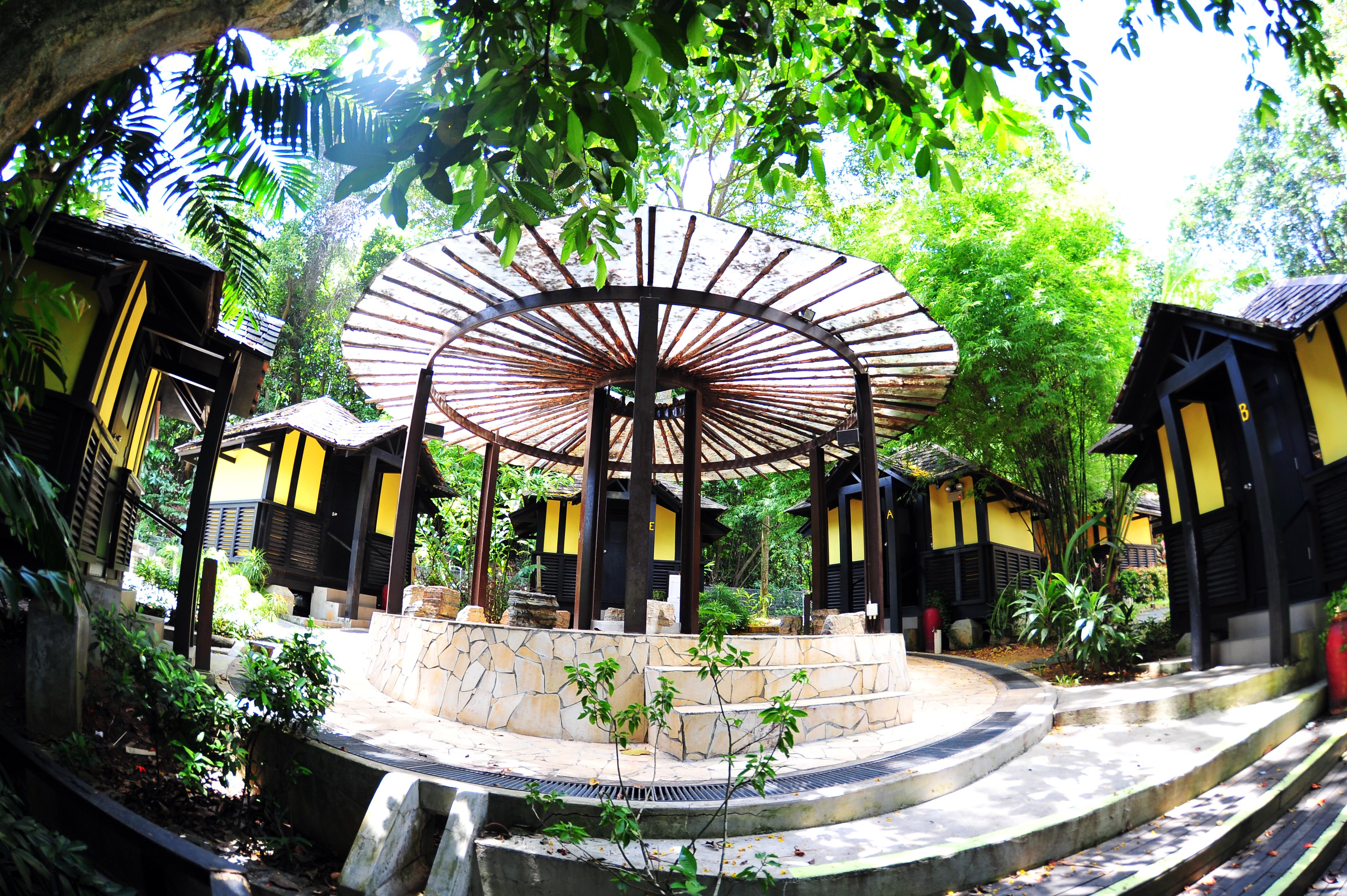 CSR Sentosa Kampung Hut - Ext